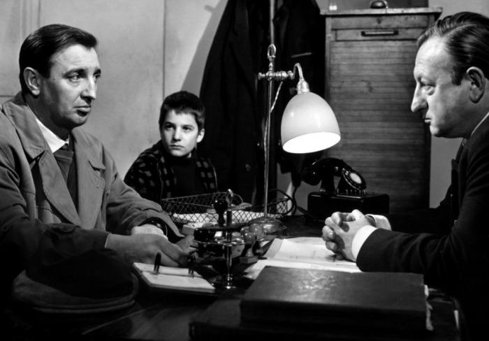 Les 400 Coups François TRUFFAUT (1958) Jean-Pierre LEAUD avec le commissaire et son beau père
